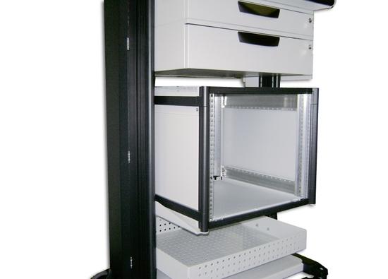 Knürr Dacomobile-Einbausatz für 19 Zoll-Gehäuse DoubleProRack in das Grundgestell.