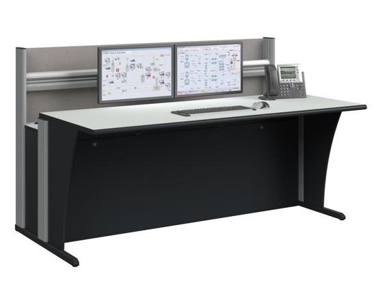 Beispielkonfiguration mit abgesenkter Tischplatte und Akustikrückwand.